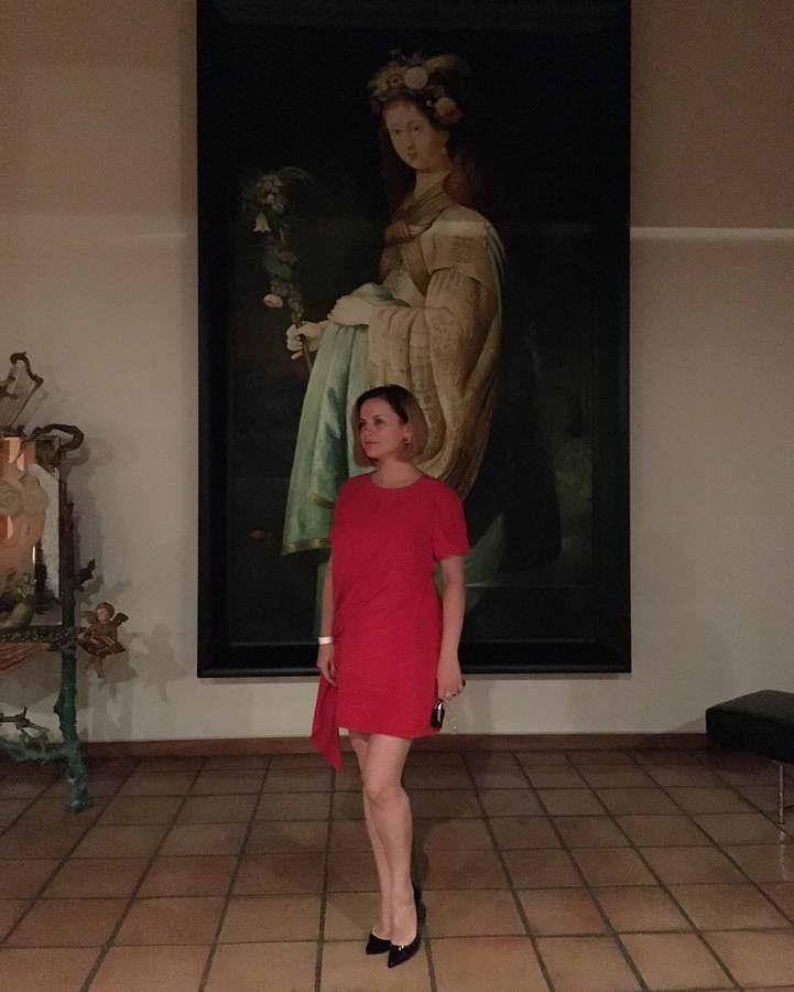 Девушка в красном - Вы так прекрасны!